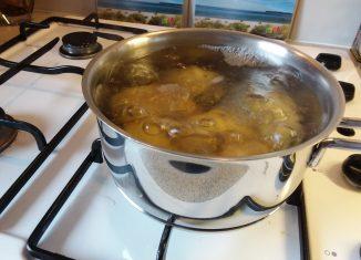 Pellkartoffeln zubereiten