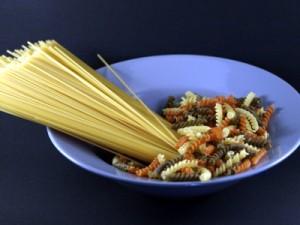 Gedroogde pasta mislukt niet zo snel. Dus als u ze nog niet zo vaak heeft gekookt en onzeker bent, begin daar dan mee