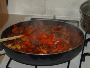 Hoe maak ik een bolognesesaus?