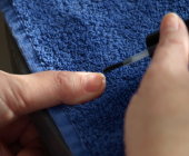 basecoat moet nagelplaat bedekken om uw nagels overal te beschermen